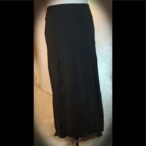 Athleta lightweight back-zip pocket utility skirt.